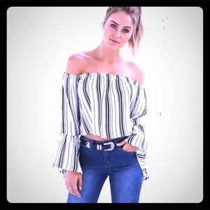 Tops - 🆕BOHO off shoulder black/cream stripe crop top